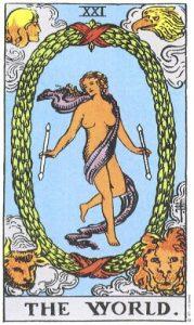 Поскольку это заключительное послание Старших Арканов не претерпело никаких изменений - да это и невозможно - в плане композиции изображения, то его глубинный смысл уже отчасти затрагивался в описаниях других карт. Эта же карта представляет совершенство и конечность Вселенной, заключенную в ней тайну, ее духовный экстаз, когда она осознает себя в Боге. Более того, это состояние души в осознании Божественного Видения, отраженного от познавшего себя духа. В макрокосмическом аспекте карта несет целый ряд посланий. Это, к примеру, состояние воссозданного мира, в котором закон проявления возводится в высочайшую степень природного совершенства. Но в еще большей степени это история прошлого, уносящаяся к тому дню, когда обо всем было сказано, что это хорошо, когда пели утренние звезды, а все Сыны Божий оглашали мир радостными возгласами. Одно из наихудших толкований карты усматривает в женской фигуре Мага, достигшего наивысшей степени посвящения; согласно другой интерпретации, карта символизирует абсолют, что совсем уже нелепо. Многие считают, что фигура олицетворяет Истину, однако правильнее было бы отнести это предположение к семнадцатой карте. И, наконец, эту карту именуют еще Венцом Магов. Прорицательные значения: Гарантированный успех, вознаграждение, путешествие, поездка, эмиграция, бегство, перемена места. Перевернутая карта: Инертность, неподвижность, застой, неизменность.