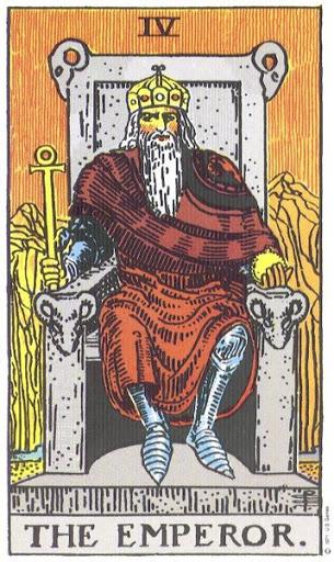 Его скипетр имеет форму Сrux аnsata*, в левой руке уверенно покоится держава. Это монарх, коронованный по праву - властный, величественный,восседающий на троне, подлокотники которого украшены головами овнов. Он олицетворяет правление, осуществление и земную власть, будучи облеченным ее наивысшими естественными атрибутами. Иногда его изображают сидящим на каменном кубе, что, впрочем, вноситопределенную путаницу в символизм. Он представляет мужскую силу и мощь, которая находит отклик в Императрице, и в этом смысле именно он стремится открыть завесу Исиды. Тем не менее она остается virgointacta [«нетронутой девой»]. * Крест с петлей, происходящий от египетского символа жизни - анх. Следует учитывать, что эта карта вместе с Императрицей не совсем буквально представляют супружество, хотя таковое подразумевается. На первый взгляд они олицетворяют земных царственных супругов, которые вознесены на тронах сильных мира сего; однако сверх того ощущается и намек на некое иное присутствие. Обе эти карты - и в первую очередь мужской персонаж - означают властителей вышнего царства, восседающих на троне разума. И здесь перед нами скорее властитель дум, нежели владыка земного мира. Оба персонажа на свой лад «богаты никому не ведомым опытом», но премудрость их - неосознанная, почерпнутая из вышнего мира. Император характеризуется как а) воплощенная воля, хоть это лишь одно из многих толкований, и 6) выражение добродетелей, присущих Абсолютному Бытию, - однако это уже чистая фантазия. Прорицательные значения: Стабильность, могущество, защита, осуществление; высокопоставленная особа; помощь, рассудок, убежденность; также власть и воля. Перевернутая карта : Благожелательность, сострадание, доверие; а также смятение в рядах врагов, препятствие, незрелость.