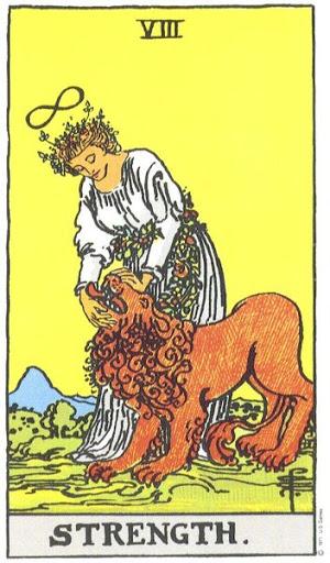 Женщина, над головой которой парит все тот же символ жизни, виденный нами на карте Маг, закрывает пасть льву. Единственное отличие этого рисунка от привычных изображений в том, что лев уже укрощен ее благотворной силой и поводком ему служит гирлянда цветов. По причинам, которые кажутся мне вполне удовлетворительными, эта карта поменялась местами с картой Правосудие, которая обычно выступает под восьмым номером. Поскольку эта перемена мест не несет в себе ничего такого, что имело бы существенное значение для читателя, нет нужды вдаваться в объяснения. Сила в одном из ее наиболее возвышенных аспектов взаимосвязана с Божественным Таинством Единения; естественно, эта добродетель действует на всех уровнях, откуда и черпается весь символизм карты. Кроме того, она взаимосвязана с Невинностью, а также стой силой, источник которой в созерцании. Впрочем, ко всем этим высшим значениям мы приходим лишь путем умозаключений, и я не берусь утверждать, что они легко читаются с первого взгляда на карту. О них говорит своим потаенным языком цветочная гирлянда, которая среди всего прочего означает нежные узы и нетягостное бремя Божественного Закона, когда он принимается душой и сердцем. Эта карта не имеет никакого отношения к самоуверенности в ее обычном смысле, хотя и существуют такие предположения. Однако здесь идет речь лишь о спокойной уверенности тех, чья сила есть Бог, кто нашел в Нем свое прибежище. Существует один аспект, в котором лев означает страсти, а та, что именуется Силой, есть высшая природа освобождения от них. Она попрала ногой аспида и василиска и повергла льва и дракона. Прорицательные значения: Могущество, энергия, действие, отвага, великодушие; также полный успех и почет. Перевернутая карта : Деспотизм, злоупотребление властью, слабость, раздоры, иногда даже позор.