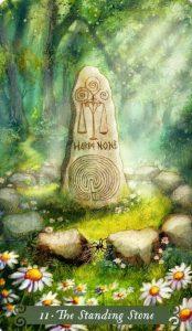 11 Аркан Камень у дороги The Green Witch Tarot (Таро Зеленой Ведьмы)