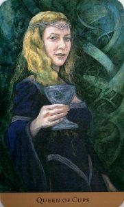 Королева Кубков Таро скрытой реальности