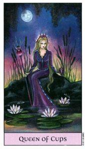 Королева Кубков Crystal Visions Tarot