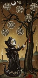 Значение 7 Пентаклей в Deviant Moon Tarot (Таро Безумной Луны)