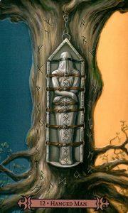 12 Аркан Повешенный Modern Spellcaster's Tarot